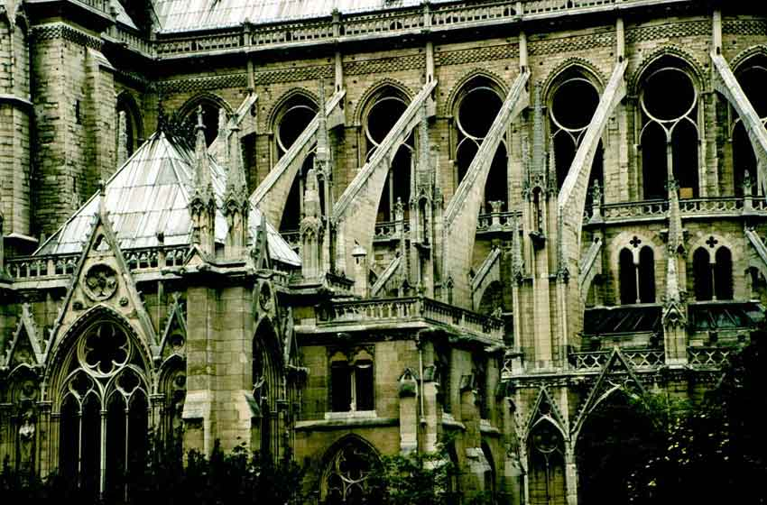 Notre Dame Notre_dame_arquitrabe